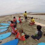 Ya han empezado los cursos de verano de surf para niños 6