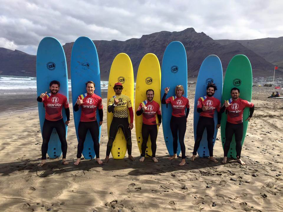 Surf En Lanzarote con vuelos y alojamiento